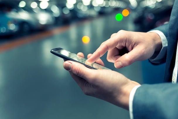 employeeapp-smartphone